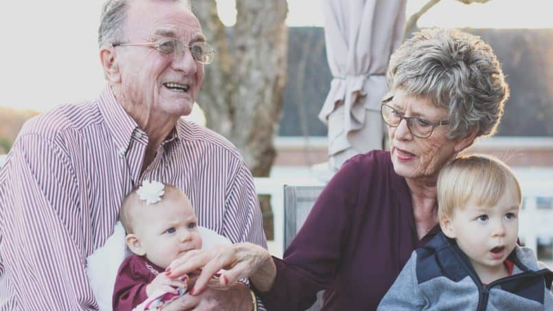 Holiday with Grandparents: How to Have a Successful Three Generation Holiday